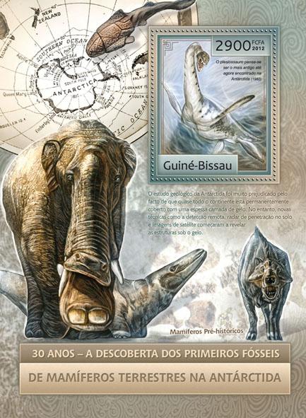 Fossils - Issue of Guinée-Bissau postage stamps