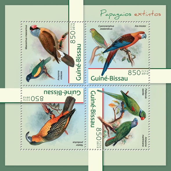 Extinct parrots (Mascarinus mascarinus, Amazona violacea). - Issue of Guinée-Bissau postage stamps