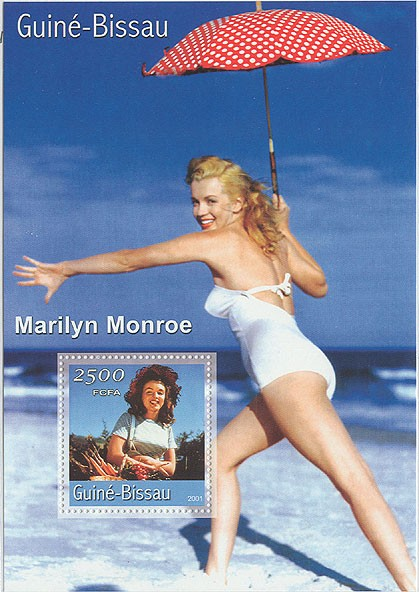 Marilyn Monroe (fond mer)  S/S - Issue of Guinée-Bissau postage stamps
