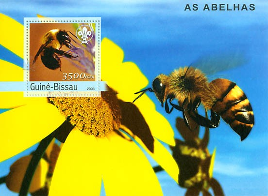 Bees & scouts logo s/s 3500 FCFA - Issue of Guinée-Bissau postage stamps