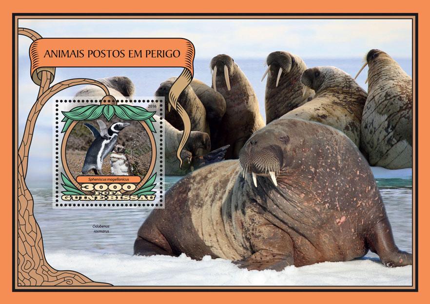 Endangered animals - Issue of Guinée-Bissau postage stamps